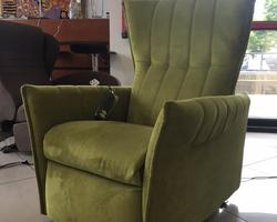 Fauteuil relaxant électrique Pupilla position assise.